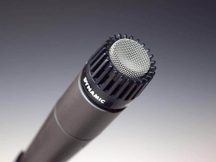 paura di parlare al microfono